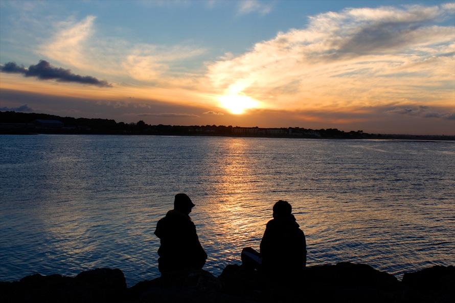 sea-dawn-sunset-couple-large